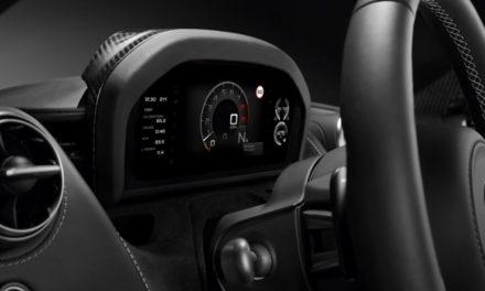 طراز السوبر الجديد من ماكلارين أوتوموتيف يضمن للسائق تجربة قيادة مميزة مع لوحات عرض متطورة تجمع ما بين التقنية والفخامة