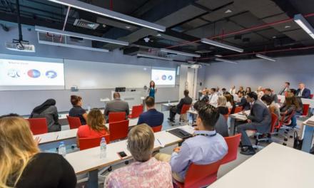 تدريب قادة الأعمال عبر تطبيقات الواقع الافتراضي يوازي بفعاليته التعليم المباشر في قاعات التدريب