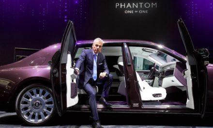 رولز-رويس موتور كارز تفخر بعرض السيارة الأكثر فخامة في العالم على منصّتها في معرض دبي الدولي للسيارات