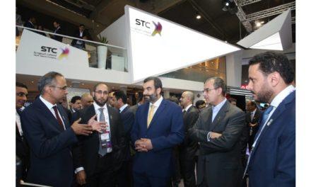 وزير الاتصالات السواحه: الاتصالات السعودية أهم شركاء الوطن لبناء الاقتصاد الرقمي