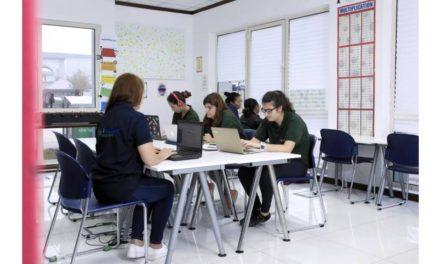 التعليم عبر الإنترنت يتيح للطلاب فرصاً واعدة في سوق العمل