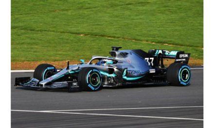 موسم جديد لفريق مرسيدس إيه إم جي بتروناس موتورسبورت في سباقات فورمولا 1 مع ألوان جديدة من أكسالتا