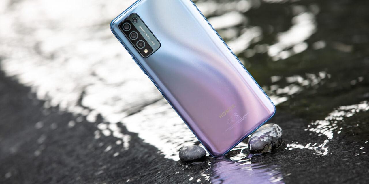 HONOR تحتفل بالبدايات الجديدة مع هواتفها المحمولة المحسنة