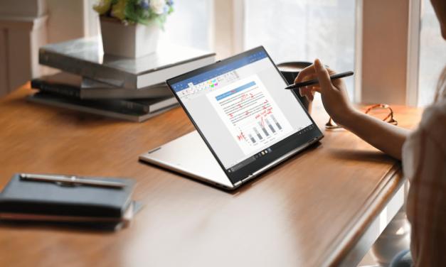 X1 Titanium Yoga  الحاسوب الأنحف على الإطلاق في مجموعة ThinkPad يُكمّل محفظة الأجهزة المخصصة والمحسّنة للمؤتمرات #CES2021