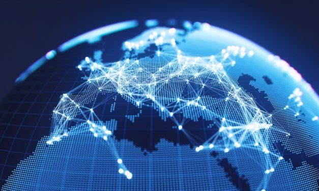 """""""العولمة المحلية"""" بوابة الازدهار لشركات القطاع الصناعي"""
