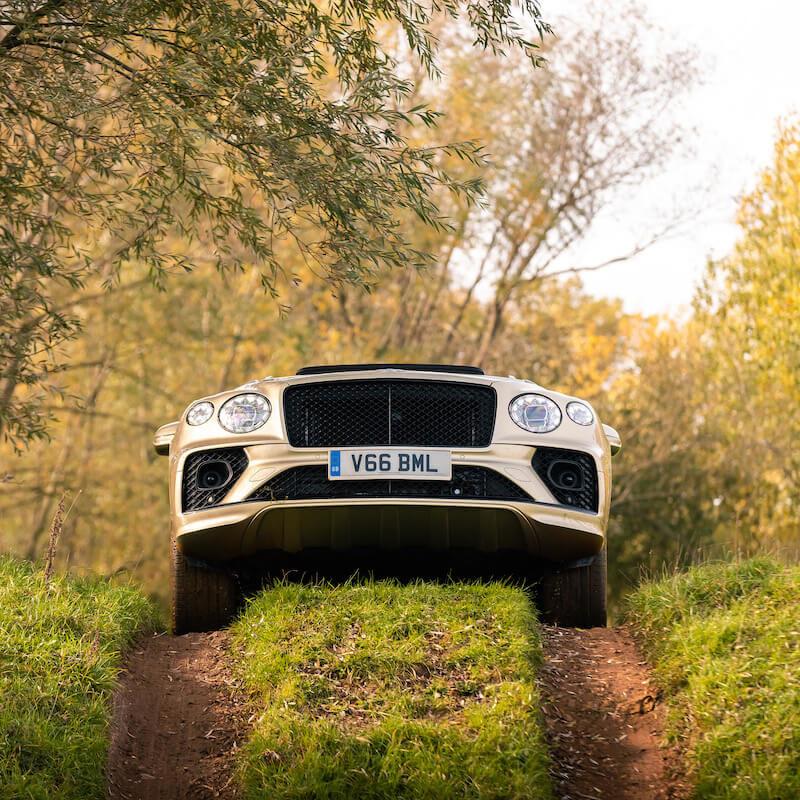 Image 11 - Bentley Bentayga V8