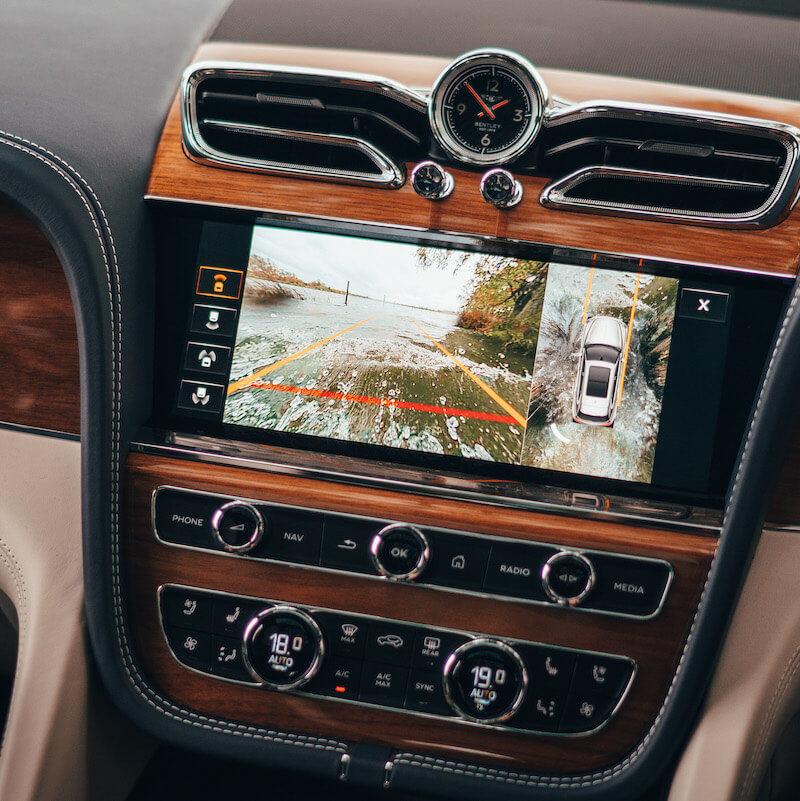 Image 7 - Bentley Bentayga V8