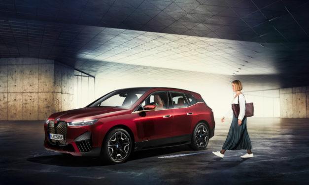 BMW تعلن إطلاق ميزة BMW Digital Key Plus مع تقنية Ultra- Wideband لطرازات BMW iX