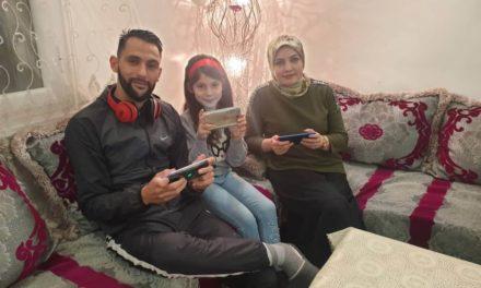 أسرة جزائرية تشارك تجربتها المميزة مع فري فاير