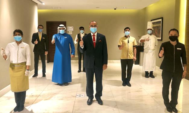 إتمام حملة تطعيم الموظفين في فندق ميلينيوم بلازا دبي ضد COVID-19