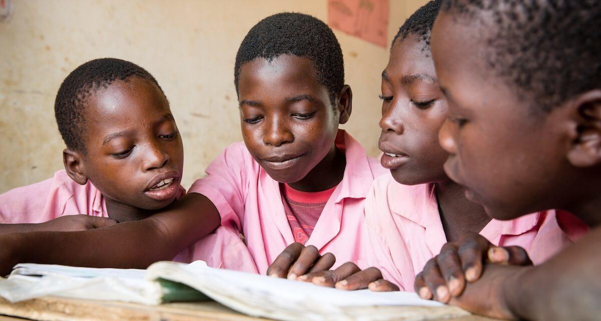 أكثر من 393 مليون طفل لا يجيد القراءة يشكلون خسائر صادمة في الإمكانات العالمية