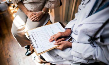 القوانين الطبية تُشدد على خصوصية معلومات المريض