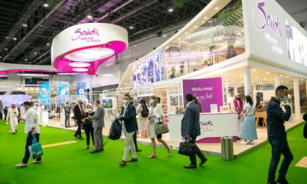 """السعودية تجذب رواد صناعة السياحة حول العالم في """"سوق السفر العربي"""""""