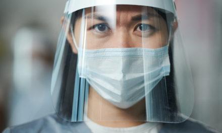 مبادرة عطايا تكرم الممرضين المتفانين في جميع أنحاء العالم بمناسبة اليوم العالمي للتمريض