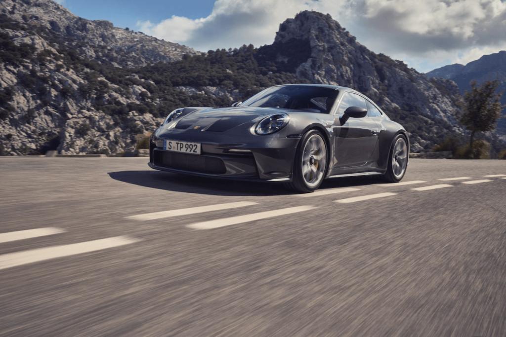 Porsche 911 GT3 pic1