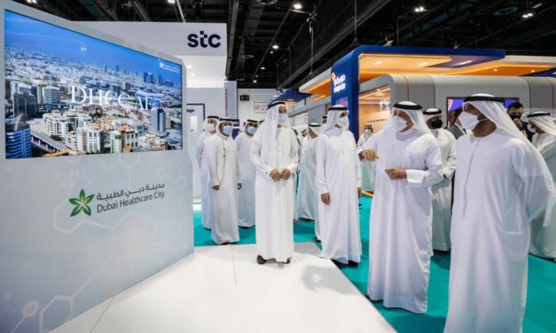 أحمد بن سعيد يفتتح رسمياً معرضي الصحة العربي وميدلاب الشرق الأوسط 2021