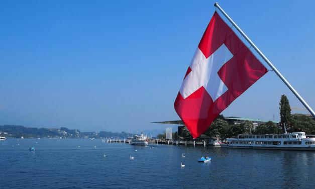 تمّ التأكيد بأن سويسرا سوف تفتح حدودها للضيوف من دول مجلس التعاون الخليجي، الذين تلقّوا لقاحهم اعتباراً من 26 یونیو 2021.