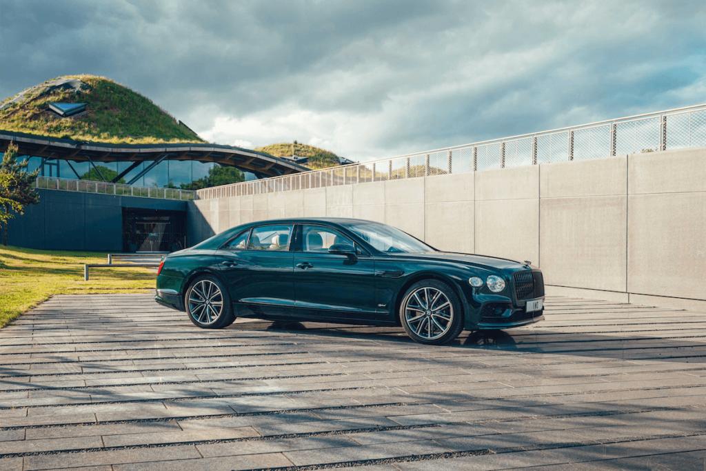 ------ 2 - Bentley F lying Spur Hybrid